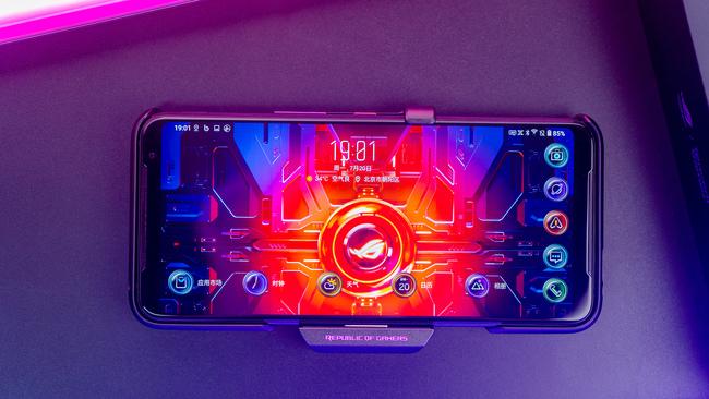 信仰加持 手游玩家绝对不能错过的ROG游戏手机3
